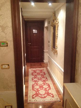 Hotel Canal Grande: Corridor