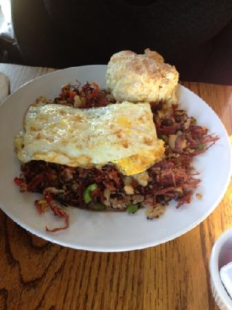 Creekside Cafe & Grill: corned beef hash