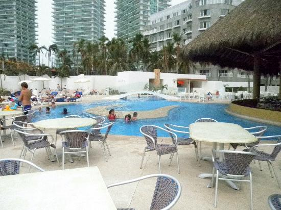 Our patio at the krystal foto krystal puerto vallarta for Whats a terrace
