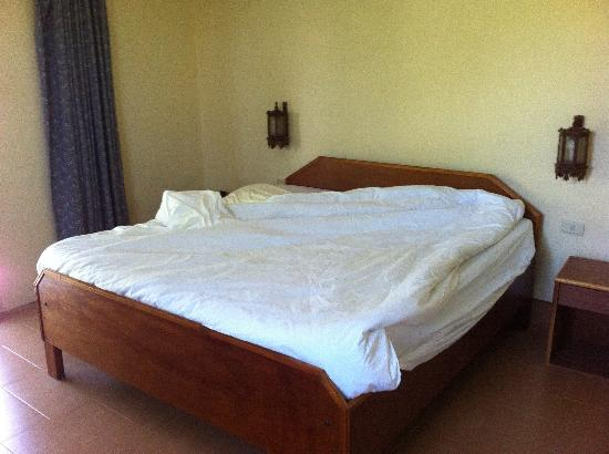 Baannueng@Kata (The Kata Orient House): hardest bed in the world
