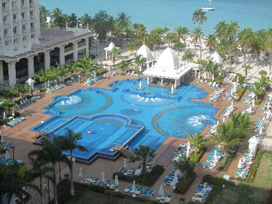 Hotel Riu Palace Aruba: View from our room on the 8th floor
