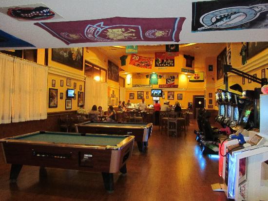 Hotel Riu Palace Aruba: Sports bar