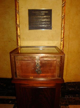 The Roosevelt New Orleans, A Waldorf Astoria Hotel: Huey Long Deduct Box