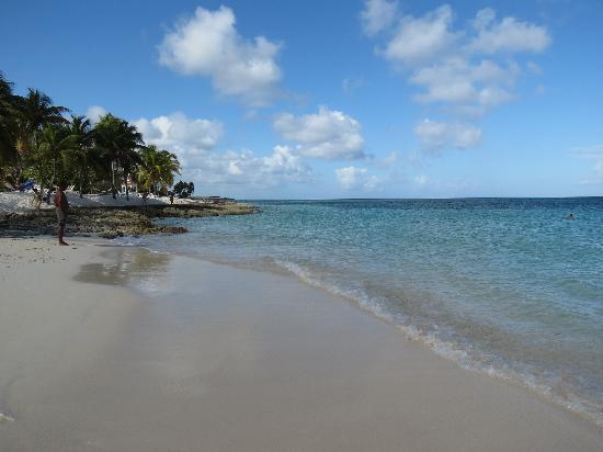 Brisas Guardalavaca Hotel: La plage