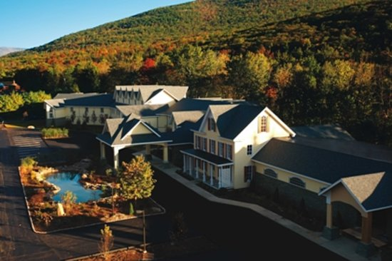 Mount Tremper, Нью-Йорк: Welcome to the Emerson!  This is the Inn where the Front Desk and Spa are located.