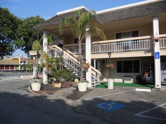Caravelle Inn & Suites: ingresso