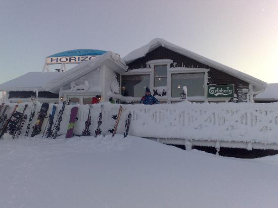 Levi Hotel Spa: Horizon Cafe at top of chairlift - bril food