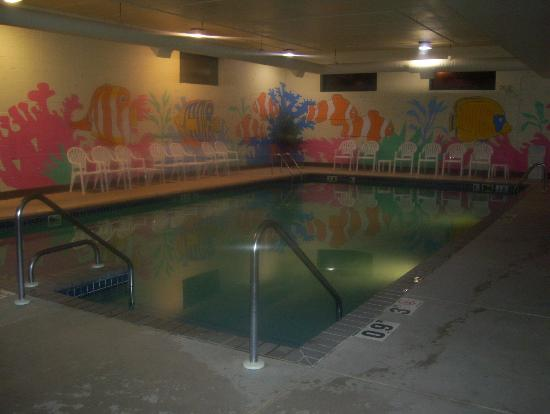 Clarion Suites at the Alliant Energy Center: pool