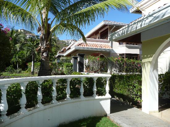 Villa del Sueno: The condo exterior
