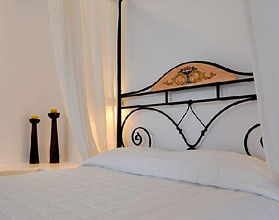 Santa Maria Luxury Suites: The Onyx suite bedroom