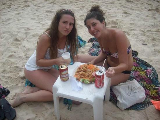 Azeda Beach: Riquisimas rabas! atendidas por julio, un genio!