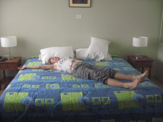Princess Hotel : très grand lit
