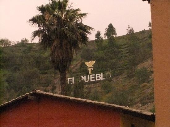 El Pueblo Resort & Convention Center: Mas..