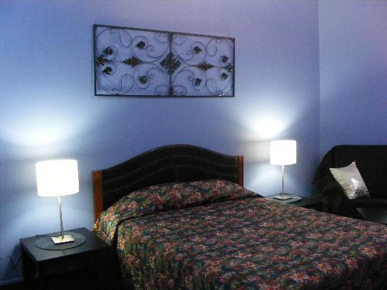 Hotel Casa Bella: renovated room