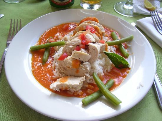 La Casa de Lourdes Outdoor Spa : My lunch...chicken stuffed with feta and tomato sauce