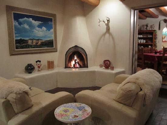 Inn at Pueblo Bonito Santa Fe: Romantic historic Old Santa Fe Charm