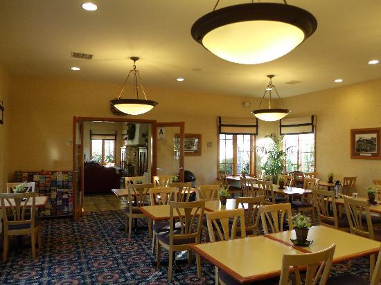 Old Town Inn : Breakfast Area
