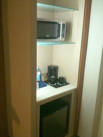 SpringHill Suites Las Vegas Convention Center: Microwave-Frig