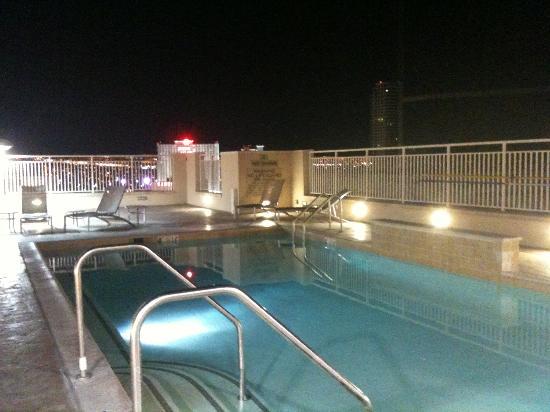 SpringHill Suites Las Vegas Convention Center: Roof Top Pool