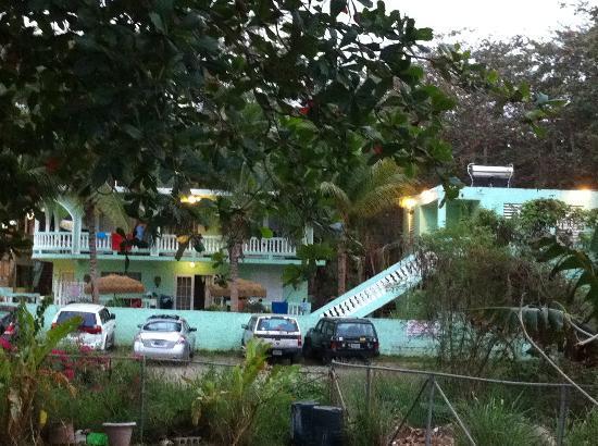 Casa Verde Hotel: Outside