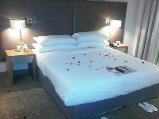 Southern Sun Hyde Park Sandton: Bed of Roses