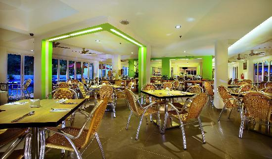 فيفهوتل كينانج بيتش - لانجكاوي: Restaurant