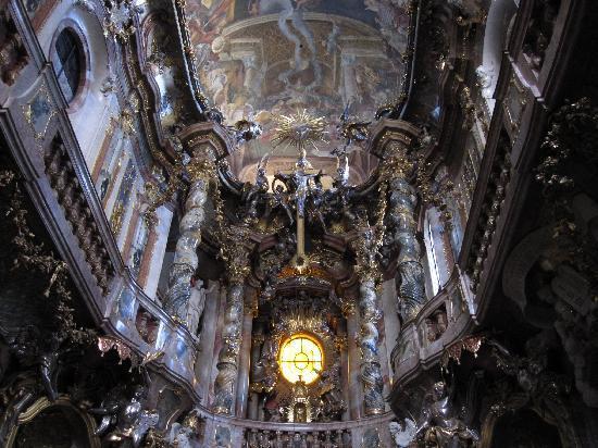 Asam Church: choeur et plafond