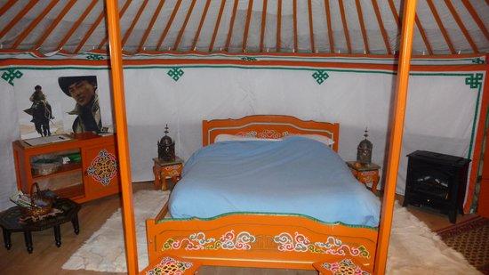 La Grenouillere: Le lit
