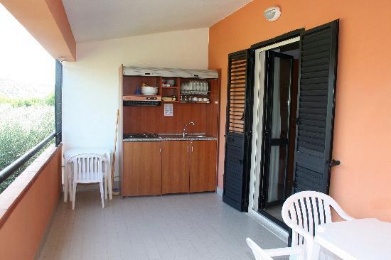 Angolo Cottura In Veranda : Veranda con angolo cottura picture of hotel palme gemelle