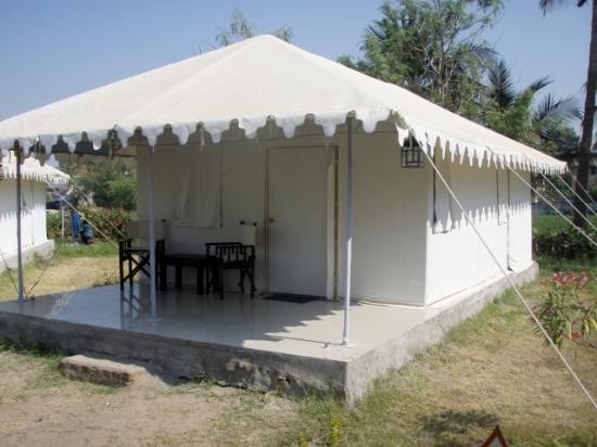 Garden Palace Heritage Homestays Tent #2 C& Dinosaur & Tent #2 Camp Dinosaur - Picture of Garden Palace Heritage ...