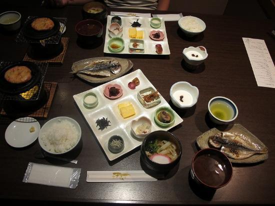 Suehiro: 朝食