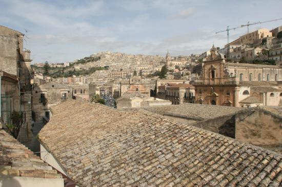 Le Magnolie Hotel : View across Modica from the rooftop terrace