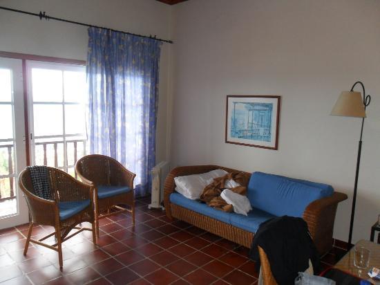 Brenas Garden Aparthotel: livingroom