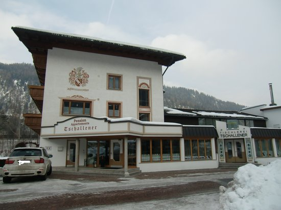 Chalet Tschallener Pension