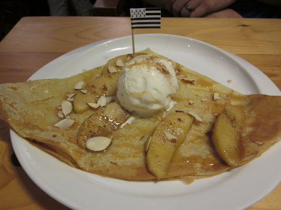 La Celtique Creperie: One of their special dessert crepes