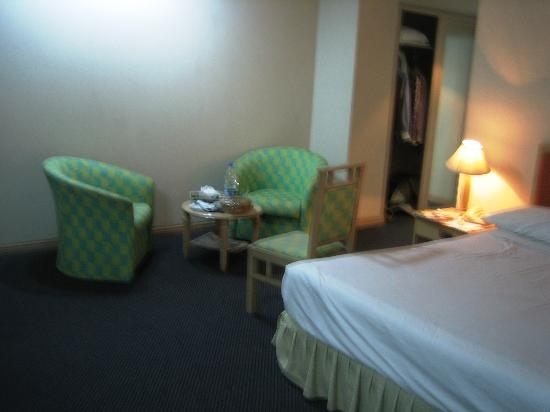 Hotel Orchard Plaza : Room from angle-1