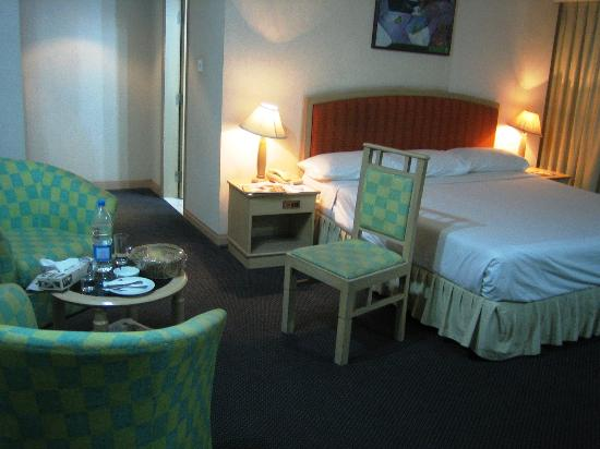 Hotel Orchard Plaza : Room from angle 2