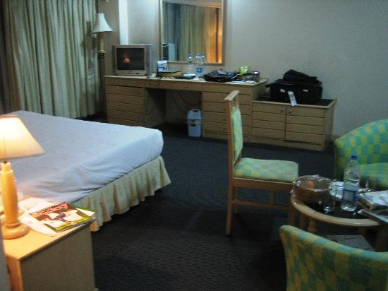 Hotel Orchard Plaza : Room from angle 3