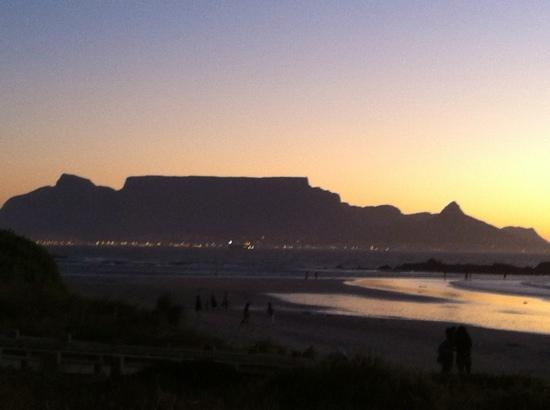 ‪‪Bloubergstrand Beach‬: Sunset on Bloubergstrand‬