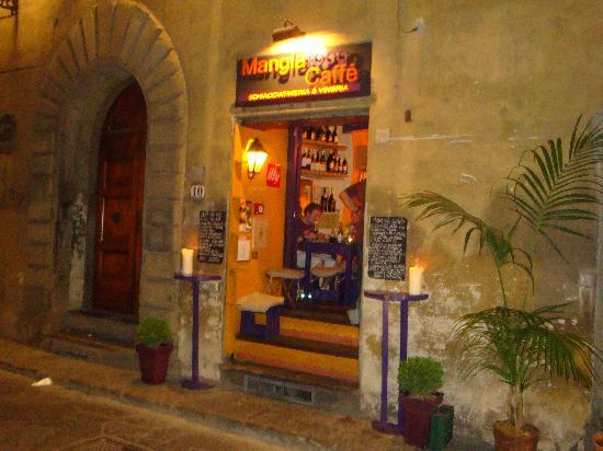 Mangiafoco Cafe: 入口はこんな感じです。