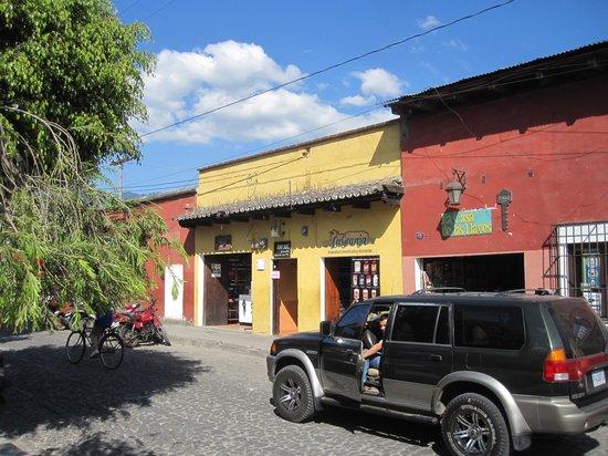 Posada Juma Ocag : Hotel from Outside