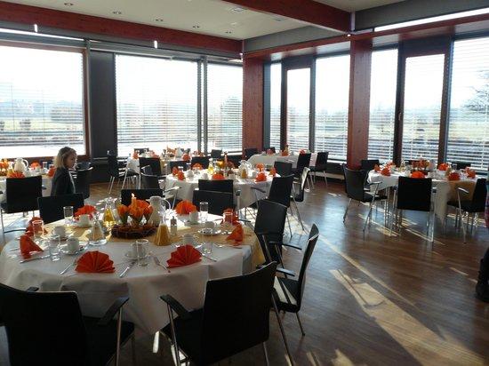 Delcanto Restaurant Café Lounge: Saal mit Panoramablick