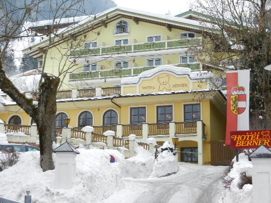 Hotel Berner: hotel in the snow