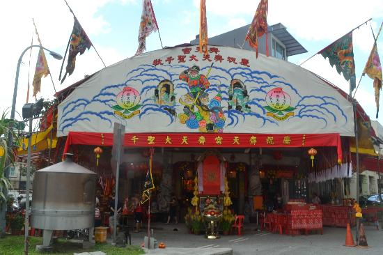 Tiong Bahru Estate: Religious celebration at a temple at Tiong Bahru