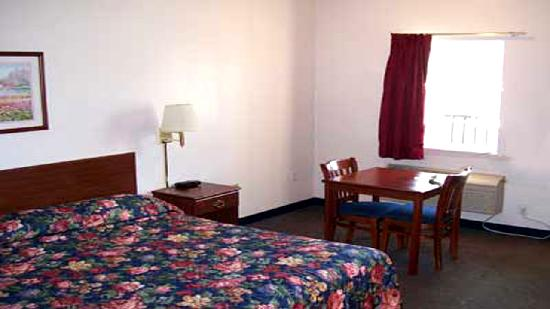 Weston Inn & Suites: Single King Bed