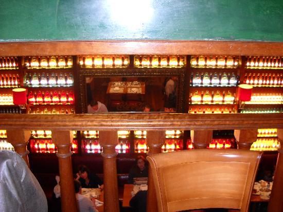 Arredamento bottigliero picture of ciudad condal for Arredamento barca