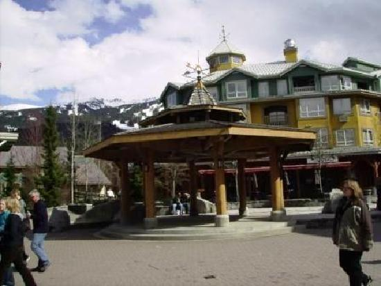 Whistler Town Plaza Suites: The Village Stroll Gazebo