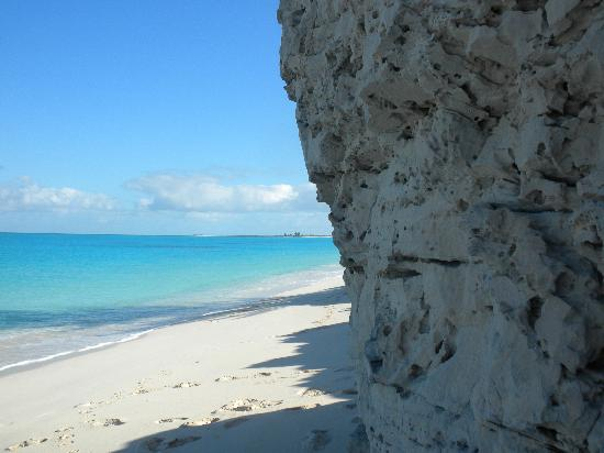 The Meridian Club Turks & Caicos : you can walk all the way down the beach to the point