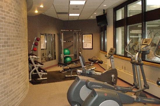 Oak Ridge Hotel and Conference Center: Fitness Center with a view