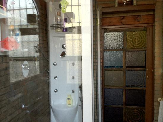 Ladybird - La Coccinella : Bathroom